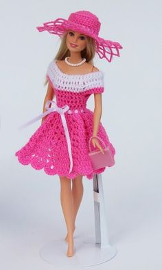 Beautiful doll clothes easy to crochet yourself with the swing series you can combine and make the most diverse models dresses hats and bags for your children and grandchildren so every barbie steffi petra susi sabine gets her very own Résultat d'image Crochet Doll Dress, Crochet Barbie Clothes, Doll Clothes Barbie, Crochet Doll Pattern, Barbie Dress, Barbie Doll, Crochet Patterns, Doll Patterns, Amigurumi Patterns