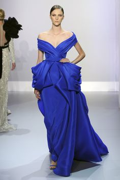 Ralph and Russo spring couture. I love the entirety of this dress but particularly the imperial blue colour @stylewithblake