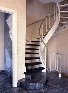 spiral-staircase-marble-floor
