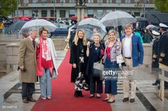 MAY 10: King Philippe of Belgium, Queen Mathilde of Belgium, Princess Mabel of Orange-Nassau, Princess Beatrix of the Netherlands, Queen Maxima of the Netherlands and King Willem-Alexander of the Netherlands attend a lunch on the Norwegian Royal yatch 'Norge'to celebrate the 80th birthdays of King Harald of Norway and Queen Sonja of Norway on May 10, 2017 in Oslo, Norway. (Photo by Patrick van Katwijk/Getty Images) Restrictions