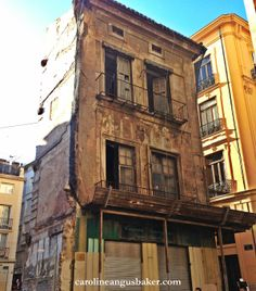 Valencia photo of the week: Abandoned Watchmaker's on Calle del Micalet