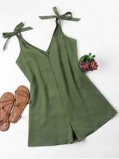 Tie Strap Romper - Verde del ejército S Rompers For Teens, Cute Rompers, Rompers Women, Jumpsuits For Women, Girls Fashion Clothes, Girl Fashion, Fashion Outfits, Cute Summer Outfits, Cute Casual Outfits