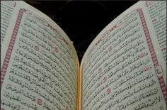 Menepis Anggapan Adanya Kontradiksi dalam al-Quran  Sesuatu yang ada dalam al-Quran dianggap kontradiksi jika ada 2 ayat yang sepenuhnya berseberangan. Suatu ayat menghalangi petunjuk yang ada dalam ayat yang lain. Misalkan salah satu ayat menetapkan adanya sesuatu sedangkan ayat yang lain meniadakannya. Tidak mungkin terjadi kontradiksi antar ayat yang berupa khabar (berita) karena jika demikian berarti salah satu ayat ada kedustaan. Ini adalah mustahil dalam khabar dari Allah Taala. Allah…