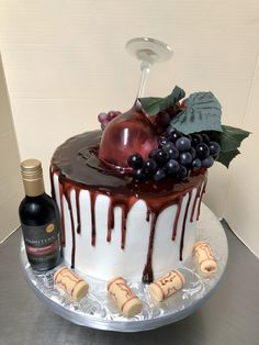 Birthday Cake Wine, 29th Birthday Cakes, Birthday Cake For Him, Birthday Ideas, Wine Theme Cakes, Themed Cakes, All You Need Is, Decoration Patisserie, Bottle Cake