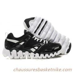 c538f3a5c22d Reebok Chaussures Zigtech Noir et Blanc Stephen Curry, Pumas Shoes, New  Jordans Shoes,