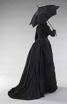 1870 Mourning Ensemble.  From the Met.