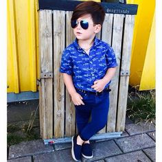So casual 👌✋ Kids Fashion Boy, Toddler Fashion, Toddler Outfits, Boy Outfits, Cute Outfits, Fashion Outfits, Baby Boy Dress, Boys Clothes Style, Kids Fashion Photography