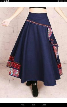 Great use of waste material Great use of scrap fabric Great use of waste mater. Moda Indiana, Indian Fashion, Womens Fashion, Mode Hijab, Indian Designer Wear, Skirt Outfits, Indian Outfits, Dress Patterns, Blouse Designs