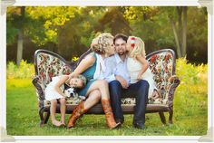 makes me want to drag the red couch into the front yard for the fall family shot!!