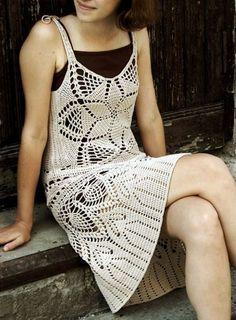 Ажурное летнее платье крючком. Схемы вязания