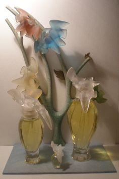 Nina Ricci Parfums l'air du temps Rose Perfume, Perfume Ad, Perfume Bottles, Nina Ricci Parfum, Magazine Images, Beautiful Perfume, Perfume Collection, Blogger Themes, Beauty Box