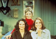 Still of Valerie Harper, Cloris Leachman and Mary Tyler Moore in Mary Tyler Moore (1970)