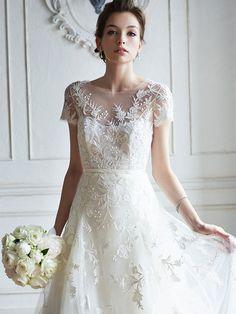 ノバレーゼ(NOVARESE) 銀座 細部までこだわったクチュール感溢れるドレスで、洗練された花嫁に