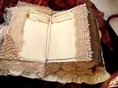 Love the lace edging to these pages...  they're just waiting for their story to begin now!