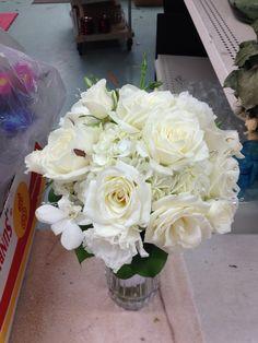 All white garden bridal bouquet & thewillowsbywehr columbiana florist 330.482.2223