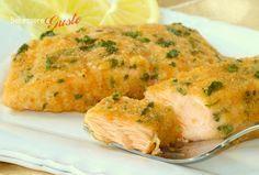 Salmone gratinato al forno, ricetta secondo piatto di pesce, ricetta facile e veloce, da servire con insalata fresca contorno leggero