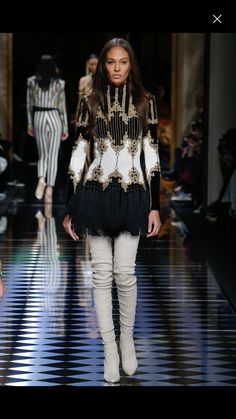 19c17362 Joan Smallsmodelling for Balmain Fall/Winter Ready-To-Wear Another outfit I  absolutely LOVE. balmain fall winter ready to wear 2016 fashion catwalk show  ...