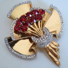 Vtg-1940-Art-Deco-Coro-Craft-Sterling-Silver-Vermeil-Rhinestone-Glass-Brooch-Pin