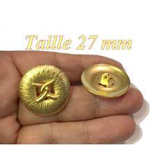 bouton doré métal en taille 27 mm décorations et customisations.