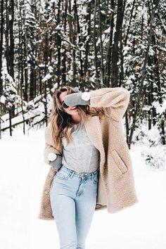 Fashion Tips What To Wear Les tendances mode du printemps 2018 - Logo Calvin Klein Tips What To Wear Les tendances mode du printemps 2018 - Logo Calvin Klein Fashion Trends 2018, Spring Fashion Trends, Winter Fashion, Snow Fashion, Trendy Fashion, Spring Trends, Winter Looks, Coat Outfit, Winter Instagram