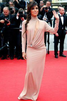 Festival de Cannes: Eva Longoria en robe nude Vionnet - EN IMAGES. Le vent soulève les robes de stars au Festival de Cannes - L'EXPRESS