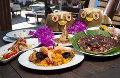 Platillos típicos de Acapulco con los tradicionales cocos. Enjoy the Acapulco's traditional cocos and the  fresh seafood