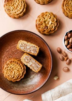 Classic Cantonese Mooncakes filled with salted peanuts and sweetened with honey for a modern twist! Easy Mooncake Recipe, Chinese Moon Cake, Baking Recipes, Dessert Recipes, Best Peanut Butter Cookies, Fall Recipes, Asian Recipes, Tray Bakes, Delicious Desserts