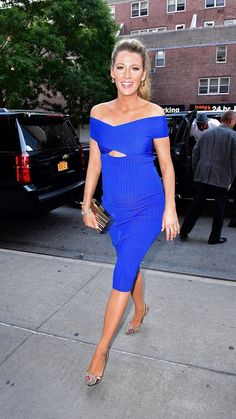 Blake Lively proves that pregnancy style is sexy. Just look at her in this stunning off the shoulder blue dress.