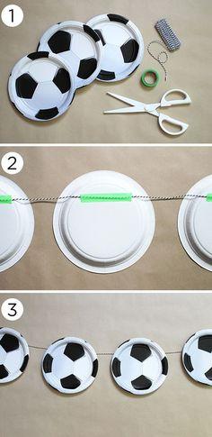 Los platos desechables (descartables) de cartón o plástico no sólo son para servir los alimentos durante una fiesta, también te pueden ayu...