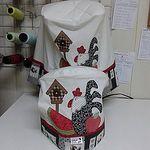 Capa para cafeteira Nespresso modelo U e panela de arroz. www.juntandoretalhos.com.br #juntandoretalhos ,#cute, #love, #cozinha ,#preto, #patchwork, #galinha by Juntando Retalhos by Raquel Faleiro