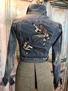 Denim jacket, custom made denim jacket, sparrows, birds, bird lover Diy Clothes Tops, Diy Clothes Design, Kids Denim Jacket, Denim Coat, Denim Jackets, Jean Jackets, Jean Jacket Design, Looks Jeans, Denim Ideas