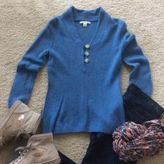 """Banana Republic pullover sweater Super cute and easy Banana Republic pullover sweater. Blue color. 3/4 sleeves. V neck with 3 buttons at the chest. Wool cashmere blend. Approx 24"""" shoulder to hem. Size S. Excellent condition. Banana Republic Sweaters V-Necks"""