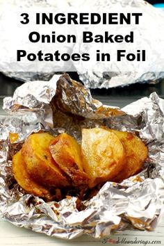 3 Ingredient Onion Baked Potatoes in Foil are easy to make and unbelievably delicious! Adding the onion/butter mixture between the slices and baking in aluminum foil locks in the rich flavor, adding real pizzazz to your potatoes! They are perfect in the o Foil Potatoes, Potatoes In Oven, Sliced Potatoes, Side Recipes, Vegetable Recipes, Vegetarian Recipes, Cooking Recipes, Braai Recipes, Cooking Food