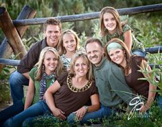 I love this large family photo! These muted colors worked great together. I even liked how they brought in some patterns in the scarf. Large Family Pictures, Large Family Poses, Family Picture Poses, Family Photo Sessions, Family Photos, Group Photos, Family Portrait Poses, Family Posing, Large Family Photography