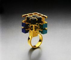 Jewelry By Architects documents a time in the '80s when Cleto Munari commissioneda dream-team of architects to create jewelry for his eponymous company.