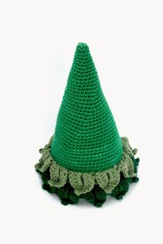 Materials Needed: -Worsted Weight Yarn. I used cotton yarn, but acrylic yarn will work well too. -Crochet Hook Size: E& Crochet Christmas Decorations, Crochet Christmas Trees, Christmas Tree Pattern, Holiday Crochet, Christmas Ornament Crafts, Xmas Tree, Ornaments, Crochet Tree, Crochet Gifts