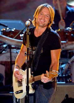 Keith Urban opened for SugarLand at Pepsi Center. Awesome show by both.