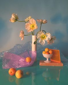 Inspiration for my last piece via the artistry of 💙Interesting editorial images and designs for The Indie Practice Still Life Photography, Art Photography, Fashion Photography, Ciel Rose, Foto Fantasy, Ikebana, New Wall, Oeuvre D'art, Art Direction