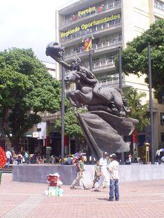 Pereira-Colombia el Bolívar Desnudo Plaza de Bolívar