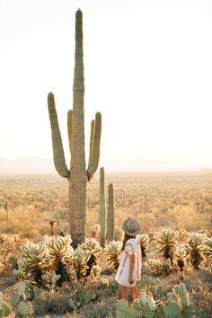 Friend Poses Photography, Desert Photography, Hiking Photography, Desert Dream, Desert Life, Arizona Travel, Sedona Arizona, Arizona Trip, Tucson
