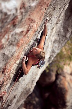 Sasha Digiulian is one of my Fourier climbers ever and one of my role models. Sport Climbing, Ice Climbing, Climbing Girl, Trekking, Kayak, Extreme Sports, Mountaineering, Climbers, Belle Photo