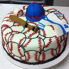 Baseball cake.....way cool!!