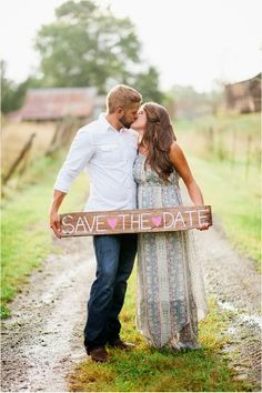 Le Magnifique Blog: Rustic Farm Engagement Session