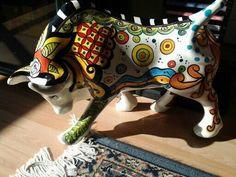 Esmaltes Ceramica Alphonse mucha - Cerca con Google Alphonse Mucha, Cow Creamer, Cow Parade, Bird Sculpture, Arte Popular, Farm Animals, Taurus, Folk Art, Decoupage