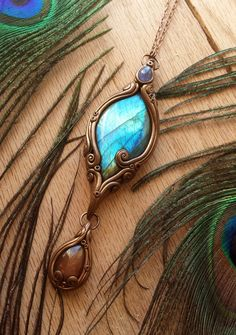 Raven's Treasure - Tanzanite, Labradorite & Sunstone Crystal Energy Pendant…