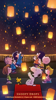 Find images and videos about wallpaper, dog and snoopy on We Heart It - the app to get lost in what you love. Snoopy Cartoon, Snoopy Comics, Peanuts Cartoon, Peanuts Snoopy, Snoopy Halloween, Snoopy Christmas, Snoopy Wallpaper, Disney Wallpaper, Cartoon Wallpaper