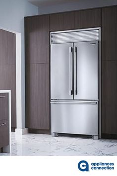 The Freestanding Counter-Depth French Door Refrigerator from Frigidaire Professional will be the best addition to your place. The unit features cu. Total Capacity, 2 Glass Shelves, and Ice Maker. Kitchen Decor, Kitchen Design, Freezer Organization, Stainless Steel Cabinets, Counter Depth, Cabinet Colors, French Door Refrigerator, Glass Shelves, Kitchen Flooring
