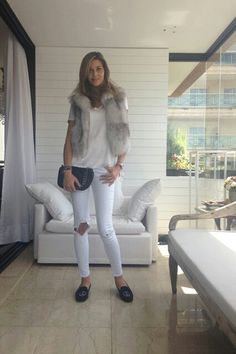Ana B Barrios Fashion Photo, Fashion Models, Models Style, Spring Summer Fashion, Winter Fashion, Celebrity Photos, White Jeans, Fur Coat, Handsome