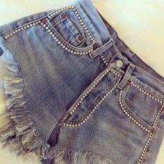 My favorite OMCV studded shorts - Nafarrete London More Chance Vintage Diy Ripped Jeans, Denim Shorts, Denim Fashion, Fashion Pants, Jeans Refashion, Studded Shorts, Embellished Jeans, Denim And Lace, Denim Trends