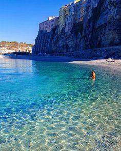 Tropea Beach Italy Congrats Use Amazing Photography, Nature Photography, Travel Photography, Photography Training, Tropea Italy, Wanderlust Hotel, Beau Site, Destination Voyage, Beach Fun